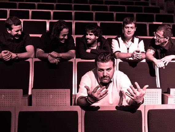 Travellin Brothers taldearen blues musika paregabeaz gozatuko dugu Sanagustin kulturgunean
