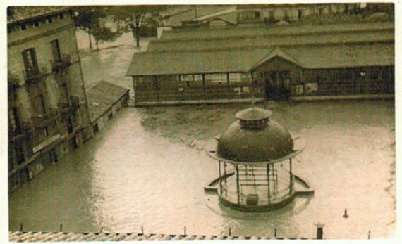 1953 eta 1983an Azpeitian izandako uholdeen irudiak botako ditugu ostiral honetan