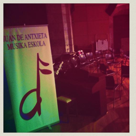 Juan Antxieta Musika Eskolaren emanaldia